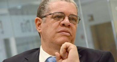 Se espera la renuncia de Amarante Baret quien esta en buscar candidatura presidencial
