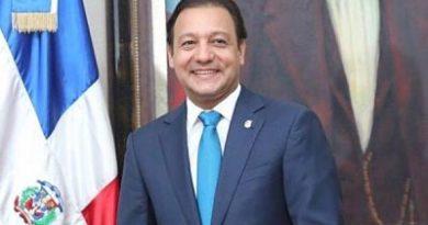 Dirección legal del Ayuntamiento Santiago aclara fallo en el que embargan cuenta personal del Alcalde Abel Martínez.