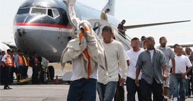 Hoy llegan 90 exconvictos dominicanos desde los EEUU