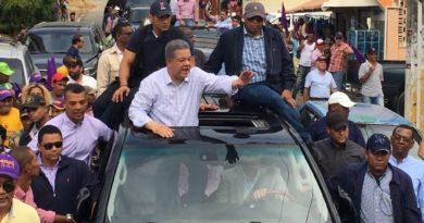 IMPACTANTE: Leonel Fernandez caravana en sector Los Alcarrizos .