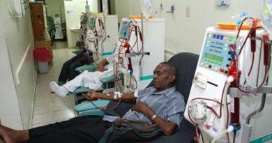 La mitad pacientes en diálisis muere esperando trasplante