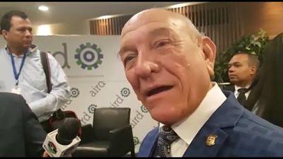 """Senador Rafael Calderón responde declaraciones de dirigente LGBTI; """"Yo no soy un machazo. Soy un hombre"""", dijo"""