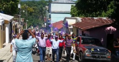 Leonelistas desafían la JCE y siguen en las calles