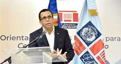 Ministro de Educación dice la familia es vital para propiciar cultura de paz