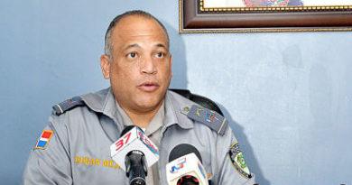 Policía apresa cuatro oficiales por manejo irregular en un caso