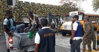 Cientos de extranjeros fueron detenidos por la DGM durante operativo en Bahoruco