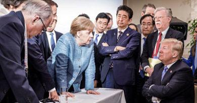 """La peculiar foto que """"resume las fisuras"""" de la cumbre del G-7 causa furor en las redes"""