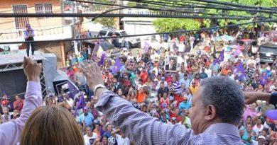 Leonel Fernández: Avanzamos hacia dos millones de firmas para garantizar unidad y nuevo triunfo del PLD