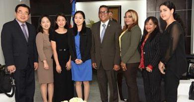 Rubén Maldonado recibe comitiva de Fraternidad Internacional de Jóvenes de Corea del Sur