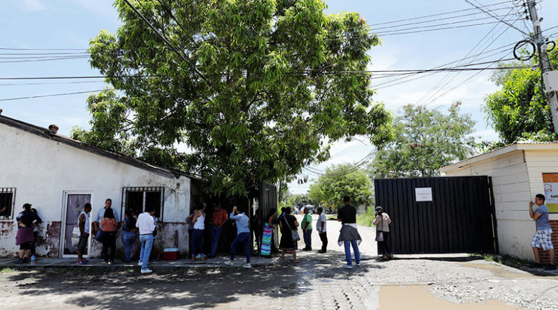 EE.UU.: Migrantes de Centroamérica podrán seguir con sus causas de protección temporal pese a Trump