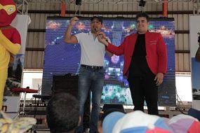 Alcalde Abel Martínez comparte con los niños y niñas de Los Jazmines en otra Mañana Divertida
