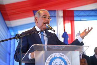 """Danilo Medina: """"Estamos desarrollando un nuevo modelo de servicio de salud pública para ofrecer servicio de calidad a la gente"""""""