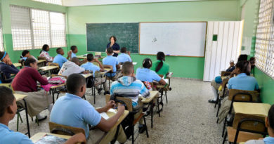 Estudiantes muestran tolerancia a la corrupción y dictaduras