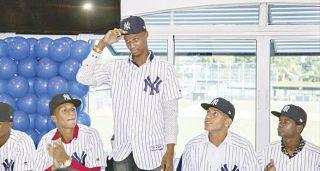 La MLB hace millonarios a 13 adolescentes criollos en apertura del mercado