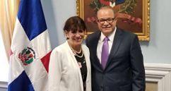 Nueva Embajadora EEUU visita a legación de RD