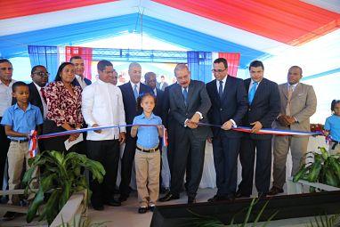 Presidente Danilo Medina entrega moderno centro educativo en el sector de Cristo Rey