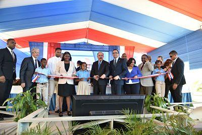 Presidente Danilo Medina entrega una moderna escuela de 24 aulas a la comunidad de Sierra Prieta en Villa Mella