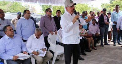 """VS214 Danilo Medina lleva espectacular apoyo a Pedernales. """"Yo quiero que Pedernales tenga de qué vivir, a eso fue que yo vine hoy"""""""