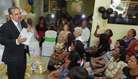 Wessin Chávez promete reivindicar mujer dominicana y juramenta cientos