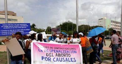 Alianza Cristiana Dominicana presenta a diputados argumentos a favor de aborto en Código Penal y rechaza ley especial