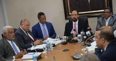 Convocan para el jueves comisión de la Ley de Partidos