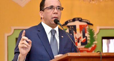 Navarro: Con educación y empleo para los jóvenes se logrará el desarrollo del país