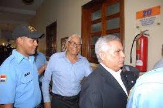 AFECTADOS POR FRAUDE BANCO PERAVIA PROTESTARAN ESTE LUNES 9 POR VARIACION DE MEDIDA DE COERCION AL PRESIDENTE DEL BANCO Y OTROS IMPUTADOS
