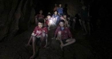 ALEGRÍA !Finaliza la operación de rescate de los niños futbolistas y su entrenador de la cueva en Tailandia