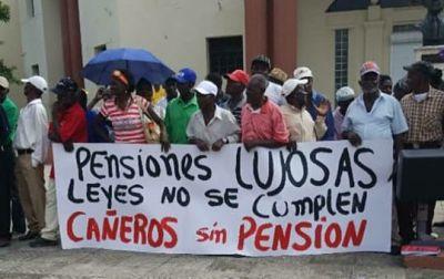 Cañeros vuelven al Palacio Nacional por pensión y residencia permanente