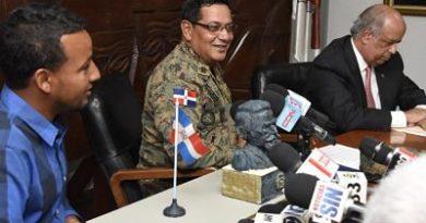 Consulta para hacer el busto de Duarte duró 15 meses