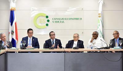 Andrés Navarro acuerda con Consejo Económico y Social procedo d concertación para propuesta de nuevas Ley Educación