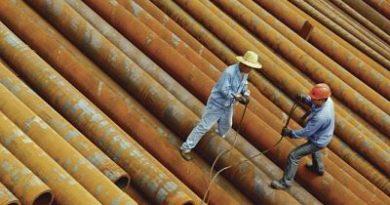 El cobre y las acciones de países emergentes bajan