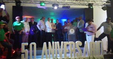 Embellecimiento reconoce exdirectores al cumplir 50 aniversario