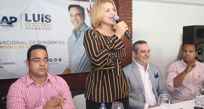 Abinader dice integrará a los jóvenes a trabajar por los cambios que demanda el país