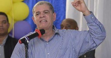 Amarante Baret dice deportaría a los extranjeros en situación irregular