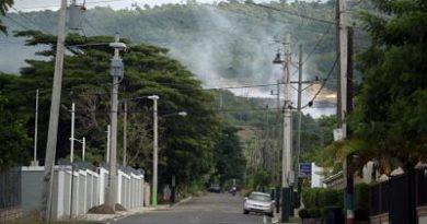 Basurero Tamboril sigue llenando de humo a Santiago