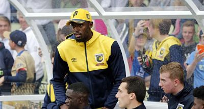 Bolt trabaja duro en Australia para adaptarse al ritmo del fútbol profesional