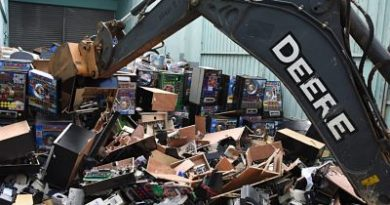 Hacienda destruye miles de equipos de juegos de azar