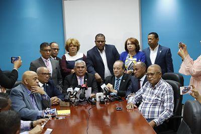 Diputados leonelistas denuncian alianza del PRM con el sector oficial para apoyar Primarias Abiertas y Simultáneas y reformar la Constitución P