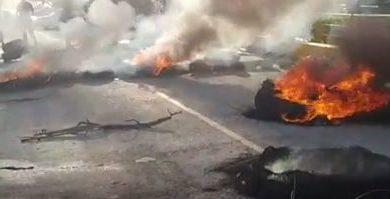 Protestan en Hondo Valle por contratación de profesores de San Juan