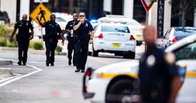 """""""Perdió y se volvió loco"""": Testigos describen el tiroteo del torneo de videojuegos en Florida"""