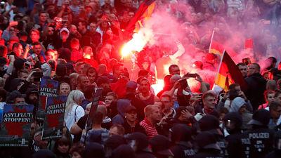 """Merkel reafirma que el acoso xenófobo """"no tiene cabida"""" tras marcha ultranacionalista"""