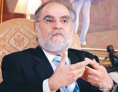 Economista Miguel Ceara Hatton adelanta Luis Abinader hará propuesta innovadora sobre programas de asistencia social del gobierno