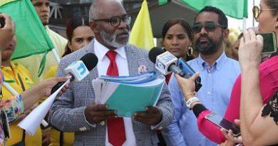 Frente Amplio dice que el presidente Medina le mintió al país y cometió perjurio
