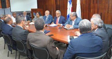 Médicos, clínicas y ARS discutirán tema de Atención Primaria planteado por Sisalril