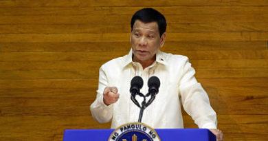 """""""¿Quiénes son para advertirnos?"""": Duterte responde a consejo de EE.UU. de no comprar armamento ruso"""