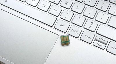 Tomu, el micro PC que cabe dentro de un puerto USB