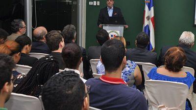 Abinader afirma débil seguridad jurídica impide desarrollo país