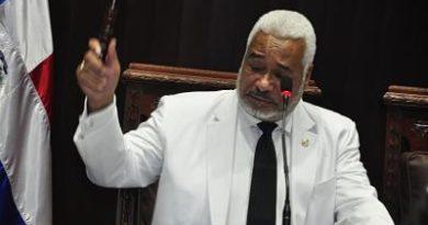 Diputados aprueban ley para lenguaje de señas