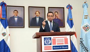Ministro de Educación Andrés Navarro califica la paralización de clases como el peor atentado contra la Educación y e país.